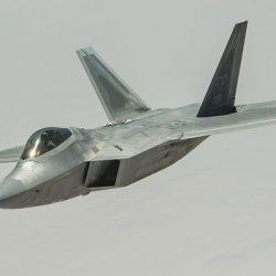 f-22-raptor-2663597_640